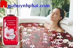 Gel tắm | sữa tắm Japanese Cherry Blossom Bath & Body Work chính hãng của mỹ